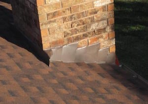 Sealing roof flashing