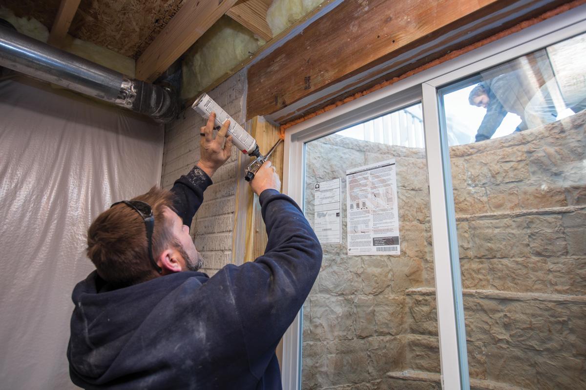 Sealing egress window