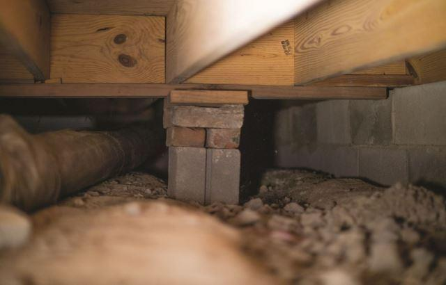 Structural Repair Solutions For Sagging and Sinking Crawl Spaces