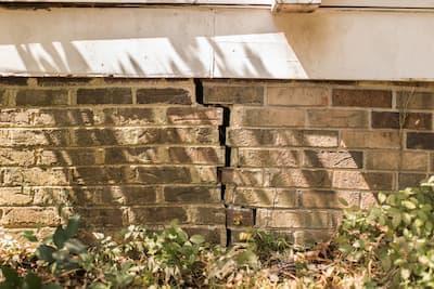 Stair-step foundation crack