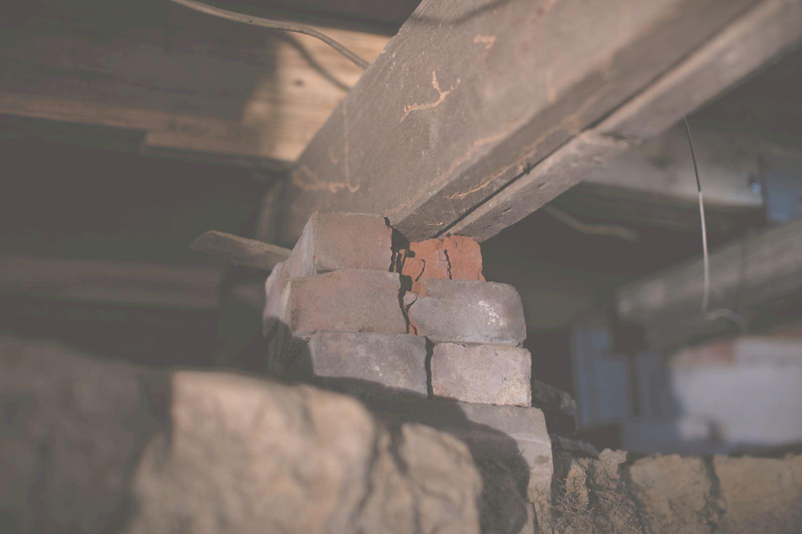 Foundation column crumbling