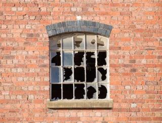 Broken CT Window
