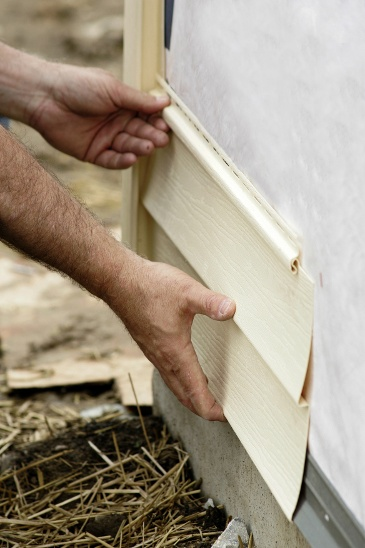 Should I Replace Or Repair My Home's Siding?