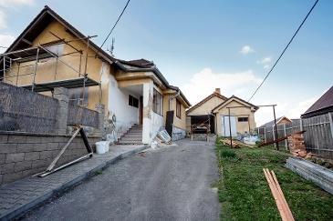 How Do I Choose A Restoration Contractor?