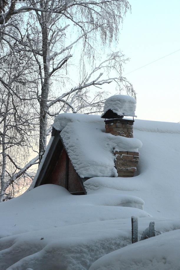 Snow on CT roof