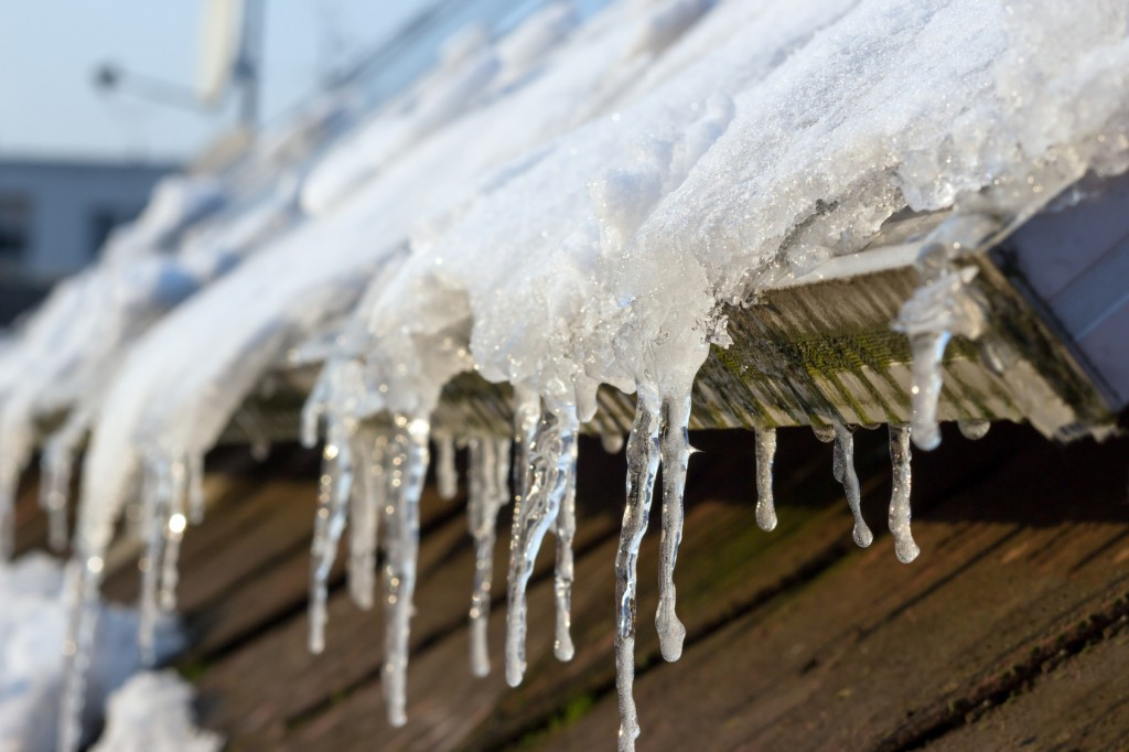 3 Common Winter Roof Problems and How to Fix Them