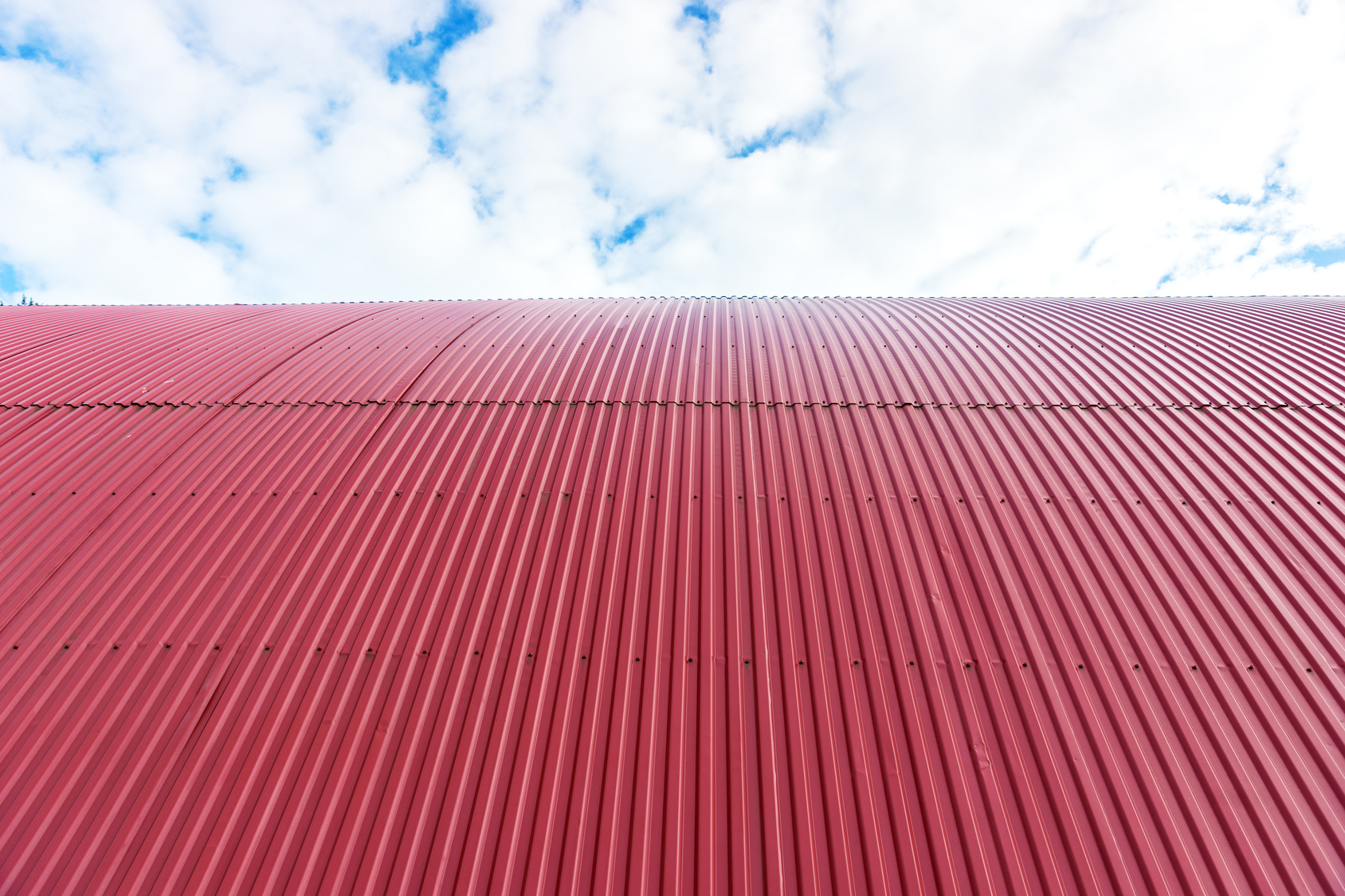 3 Differences Between Corrugated Metal Roofing And Standing Seam Metal Roofing News And Events For Global Home Improvement