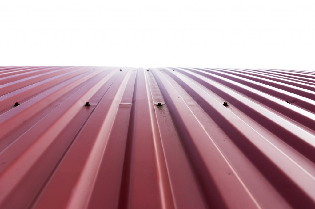 Comparing a Curved Metal Roof & a Low Slope Metal Roof