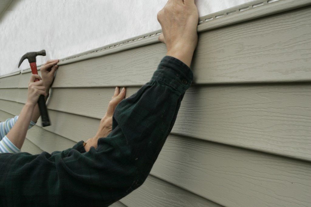 The Dangers of Stucco and Mold Behind your Home's Siding