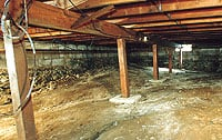 Dirt crawl space with vents