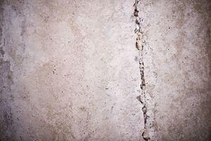 Basement floor Spiderweb Crack