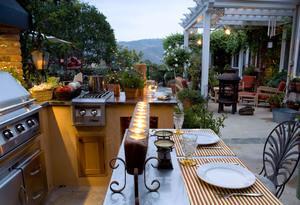 Relaxing Outdoor Kitchen