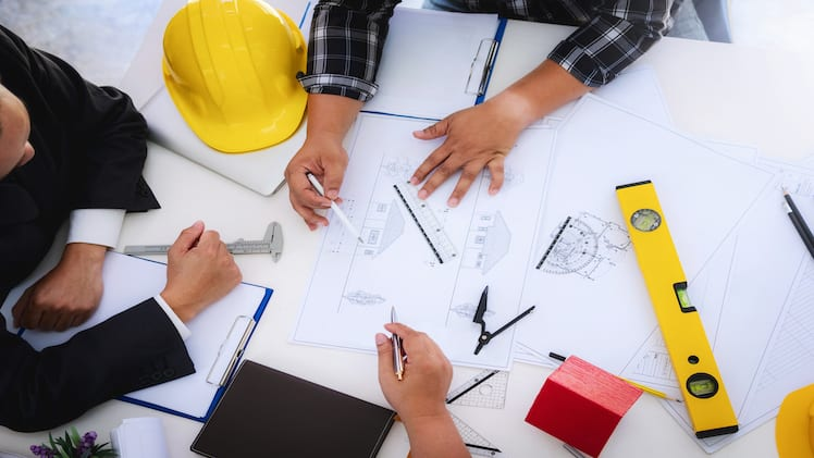 Contractors: What Are Their Roles and Duties?
