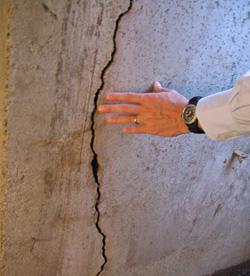foundation wall crack in Burlington, Iowa
