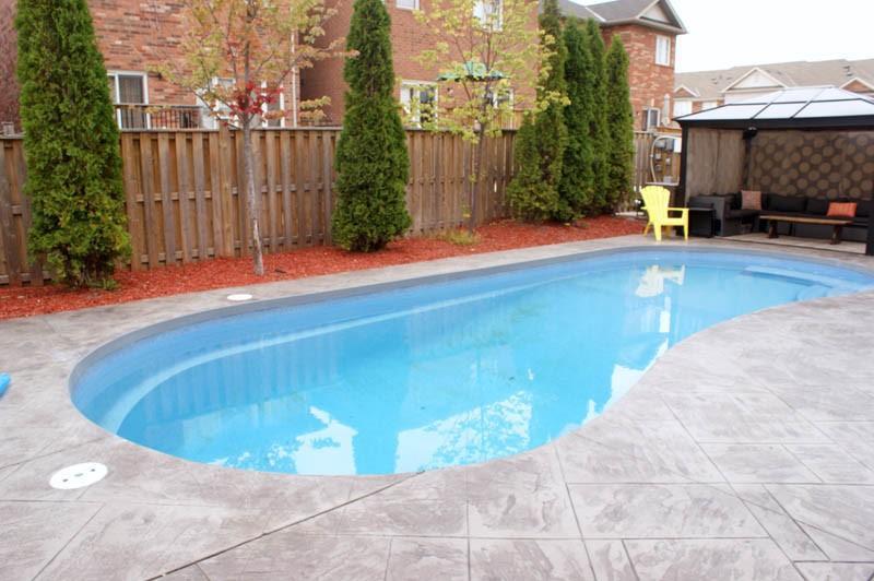 Fiberglass Pool Installation in Mississauga, ON