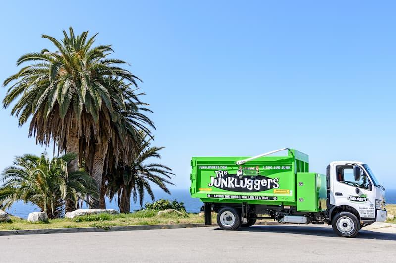 The Junkluggers of West LA has friendly faces you can rely on in Santa Monica Bay & West LA