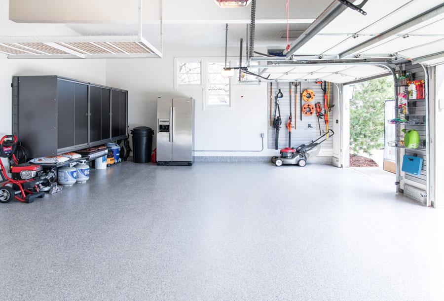 Beautiful Polyaspartic Garage Floor