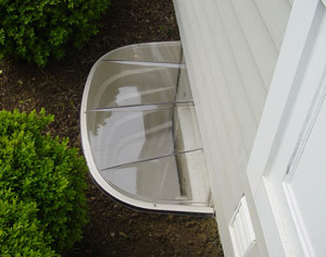 Clear window well covers keep dirt and debris out, while improving energy efficiency.