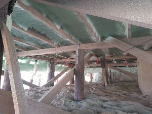 Insulation in the crawl space in Dover