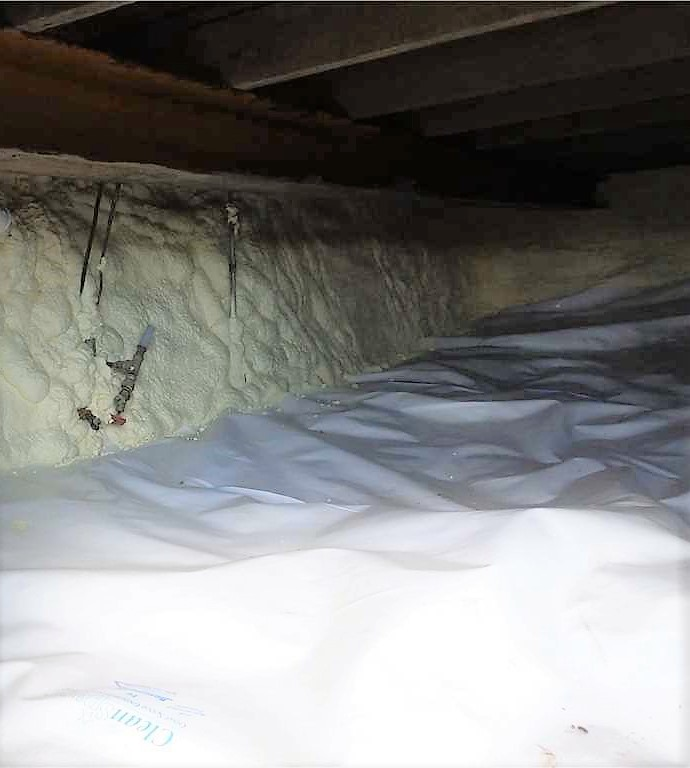 Log cabin crawl space encapsulation and crawl space insulation in Minnesota and Wisconsin