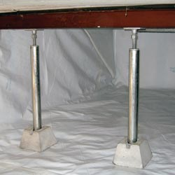 heavy duty crawl space supports installed in an encapsulated crawl space