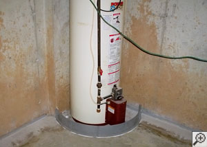 A water heater surrounded with our FloodRing® system.