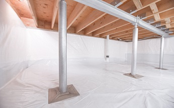Crawl space structural support jacks installed in Pittsburg