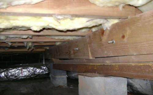Failing crawl space supports