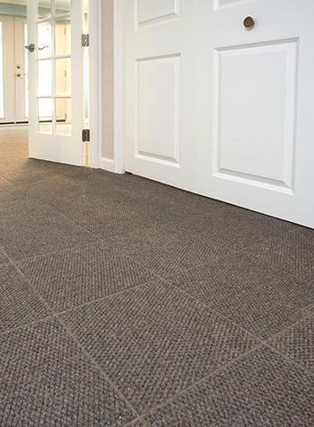 Thumb tile floor