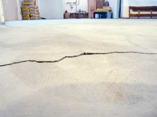 Home Foundation Warning Signs in Ontario: Foundation Cracks, Bowed Walls & Slab Cracks