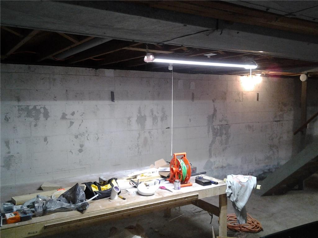 Carbon Armor Wall Supports in Schenectady, NY - Before Photo