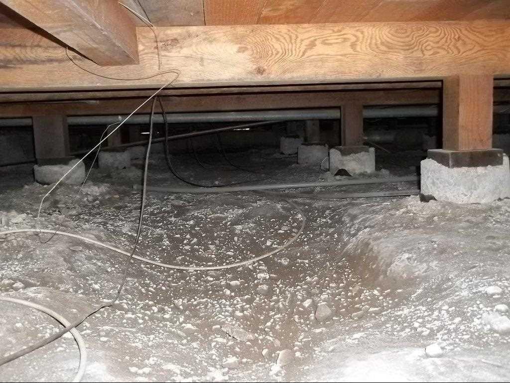 Crawlspace Encapsulation in Saint Helena, CA - Before Photo