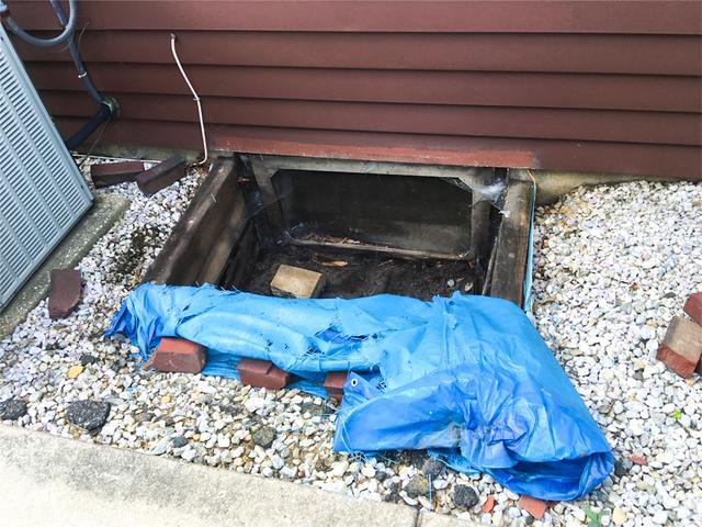 Leaky Crawl Space Entryway In Oaklyn, NJ