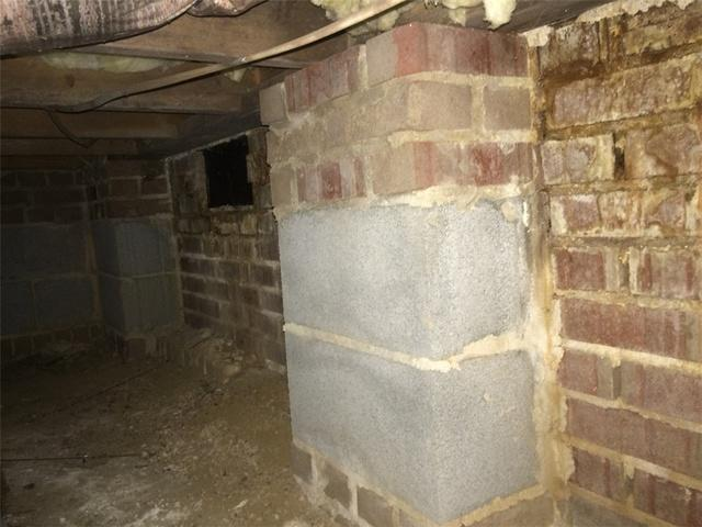 Crawl Space Humidity Causes Hardwood Floors Problem in Concord, NC
