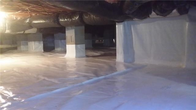 Clean Crawlspace at Lake Norman!