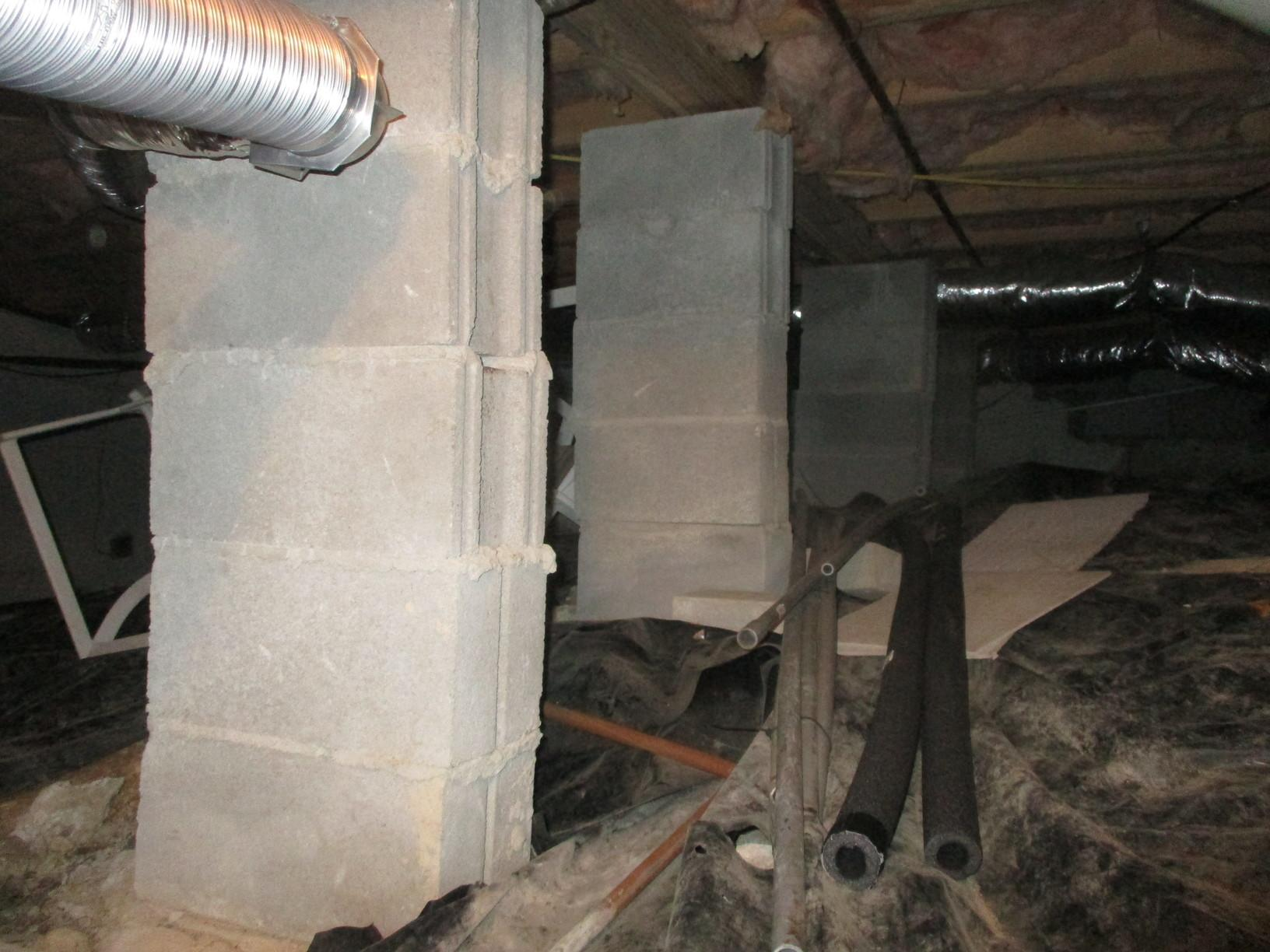 Sealed Crawl Space in Estill Springs, TN - Before Photo