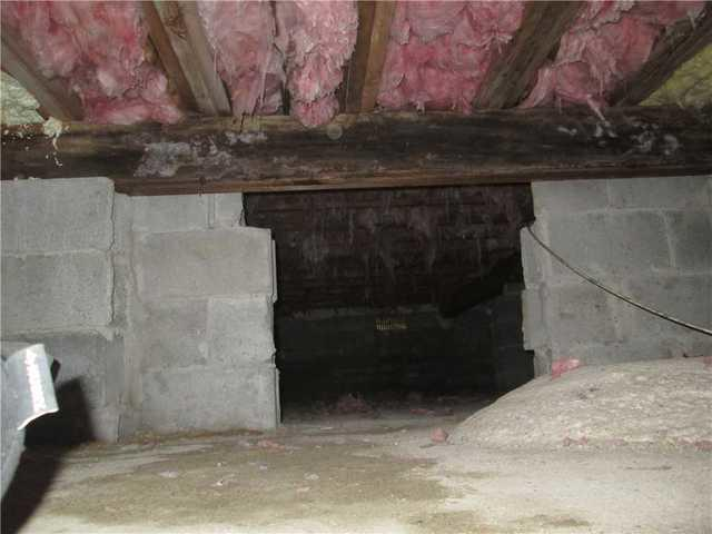 Crawl Space Insulation and Repair in Islandia, NY