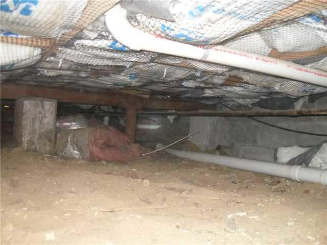 Crawl Space Made Clean in Babylon, NY