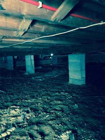 Vapor Barrier Installed for Crawlspace in Babylon, NY