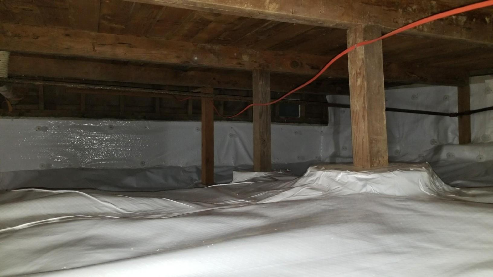 Crawlspace gets encapsulated in Bingen, WA - After Photo