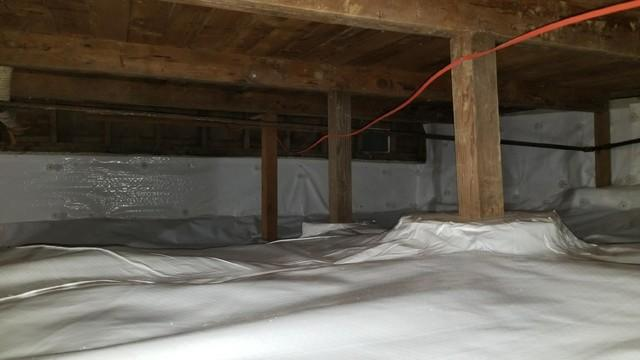 Crawlspace gets encapsulated in Bingen, WA