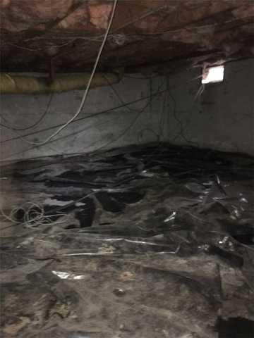 Wet Crawlspace in Milwaukie, Oregon