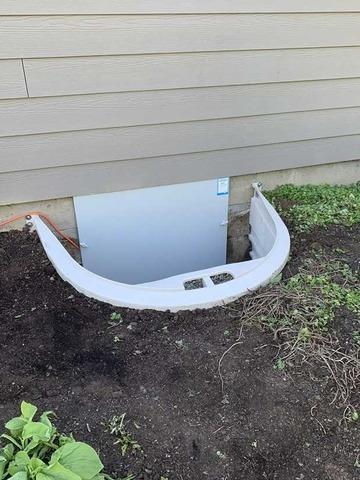 Crawlspace access door in Salem Oregon