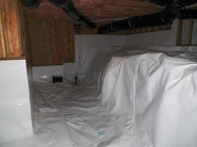 Dirty crawlspace in Tigard, OR