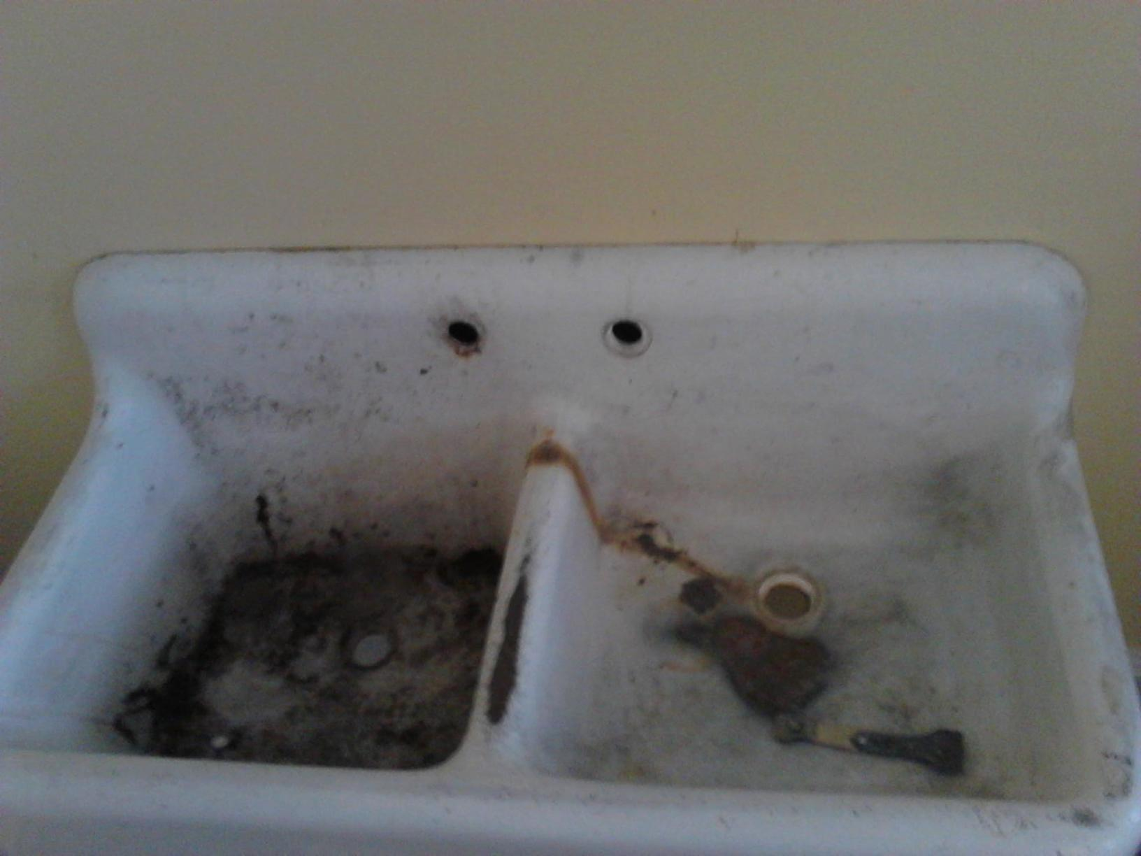 Refinishing of an old cast iron sink - Before Photo