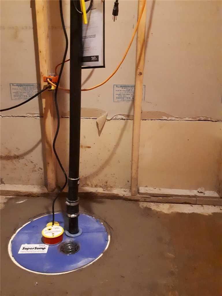 Une pompe de puisard pour imperméabiliser un sous-sol à Laval - After Photo