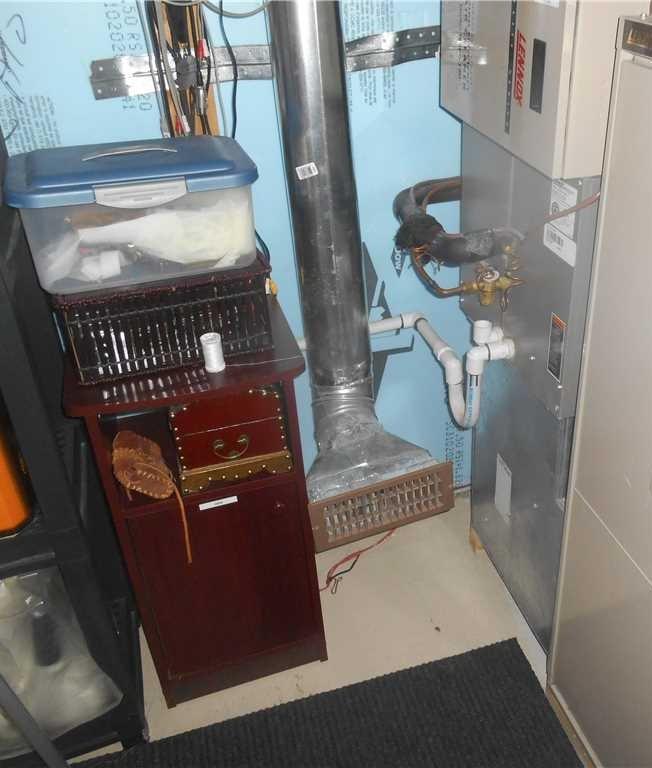 Nappe phréatique causant une infiltration d'eau à l'Assomption, Qc - Before Photo