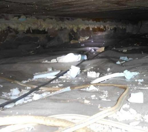Insulation of crawl space discovered in Godmanchester, Qc - Before Photo