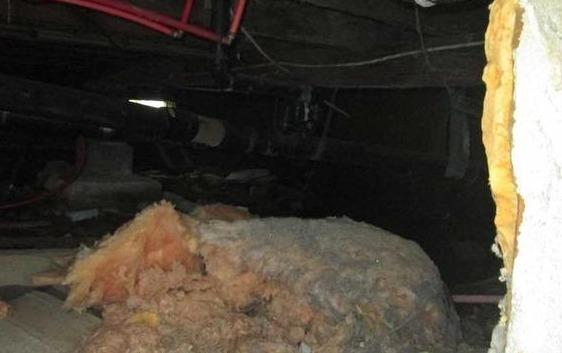 Complete insulation of a crawl space in Saint-Chrysostome, Qc - Before Photo
