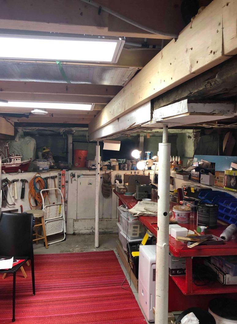 Isolation et finition d'un sous-sol à Montréal, Qc - Before Photo